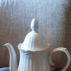 Vintage: CAFETERA PORCELANA SANTA CLARA. Lote 204757917