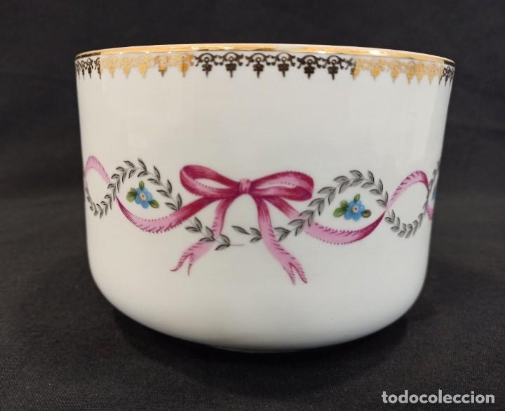 CUENCO DE CERÁMICA CON DECORACIÓN FLORAL EN LAZO. C11 (Vintage - Decoración - Porcelanas y Cerámicas)