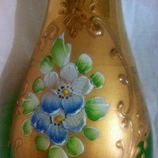 Vintage: JARRÓN CRISTAL DE MURANO DECORADO EN ORO 24 KILATES. 27 CM ALTO.. Lote 206503492