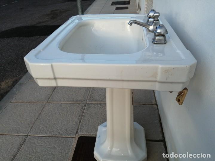 Vintage: Lavabo con grifos ROCA de los años 1940 antiguo para cuarto de aseo porcelana Art deco sanitario - Foto 4 - 208805608