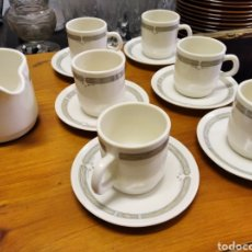 Vintage: JUEGO DE CAFÉ ARCOPAL FRANCE. 6 TAZAS Y PLATOS Y UNA JARRA. Lote 208821706