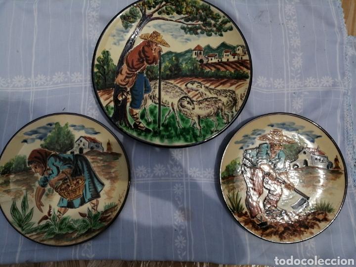 3 PLATOS EN CERAMICA (Vintage - Decoración - Porcelanas y Cerámicas)