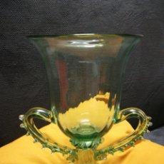 Vintage: ANTIGUO JARRÓN DE CRISTAL SOPLADO. Lote 213200603