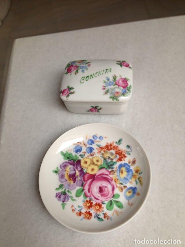 Vintage: Lote de cerámica: Platito con cesta de mimbre-una caja y un platito con flores de cerámica - Foto 3 - 110770459