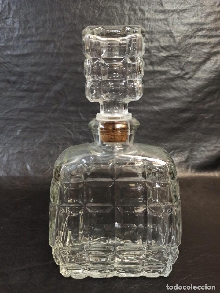 BOTELLA DE LICOR DE CRISTAL. C27 (Vintage - Decoración - Cristal y Vidrio)