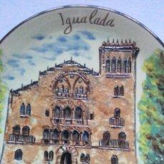 Vintage: PLATO DE CERAMICA ESMALTADA CON RELIEVE DEL ASILO DE LAS MONJAS DE LA CARIDAD DE IGUALADA.FIRMADO.. Lote 218497960