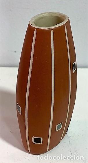 Vintage: Jarrón de cerámica de los años 50 procedencia alemana. 12 cm H. - Foto 3 - 218826083