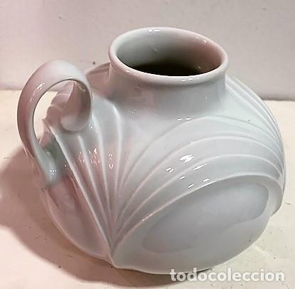 Vintage: West Germany, jarrón de porcelana blanca - Foto 4 - 218826816