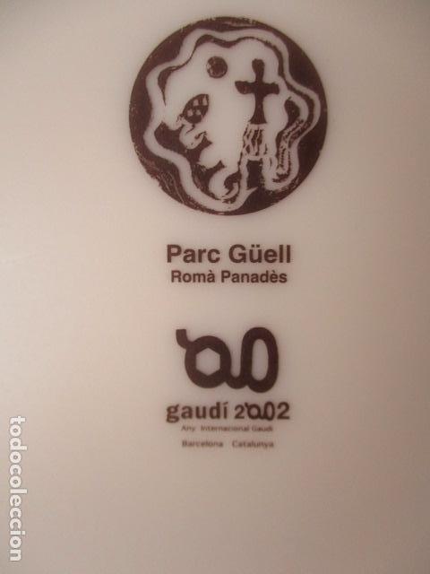 Vintage: Lote 2 Preciosos platos Año Gaudi 2002 diferentes diseños - Foto 3 - 220760501