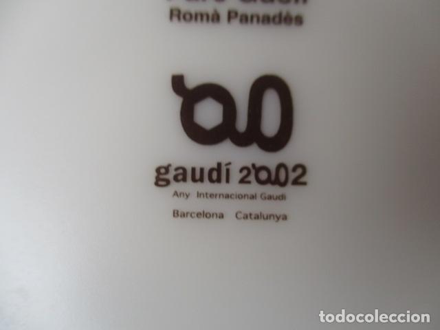 Vintage: Lote 2 Preciosos platos Año Gaudi 2002 diferentes diseños - Foto 4 - 220760501