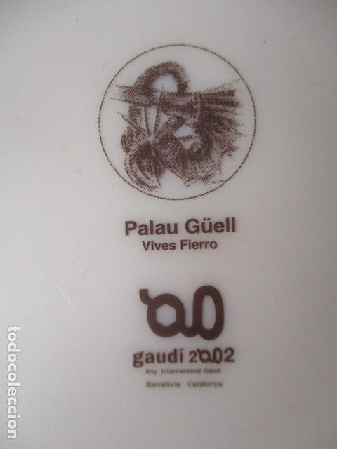 Vintage: Lote 2 Preciosos platos Año Gaudi 2002 diferentes diseños - Foto 7 - 220760501
