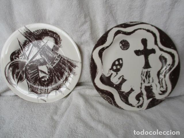 LOTE 2 PRECIOSOS PLATOS AÑO GAUDI 2002 DIFERENTES DISEÑOS (Vintage - Decoración - Porcelanas y Cerámicas)