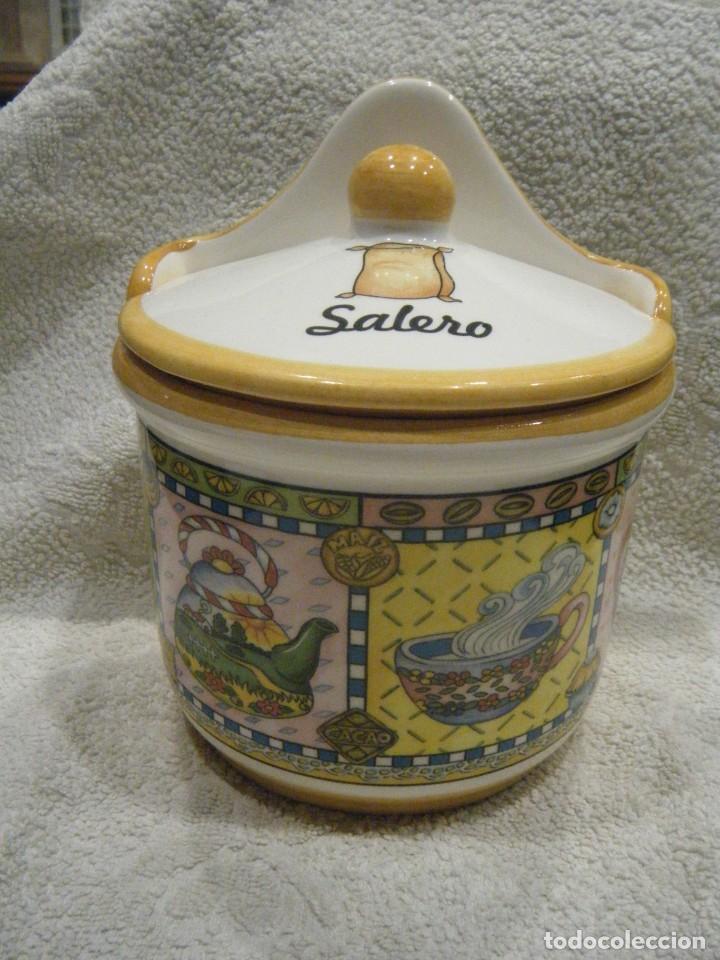 ENORME Y PRECIOSO SALERO EN PORCELANA DECORADA (Vintage - Decoración - Porcelanas y Cerámicas)