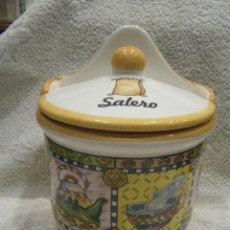 Vintage: ENORME Y PRECIOSO SALERO EN PORCELANA DECORADA. Lote 222108555