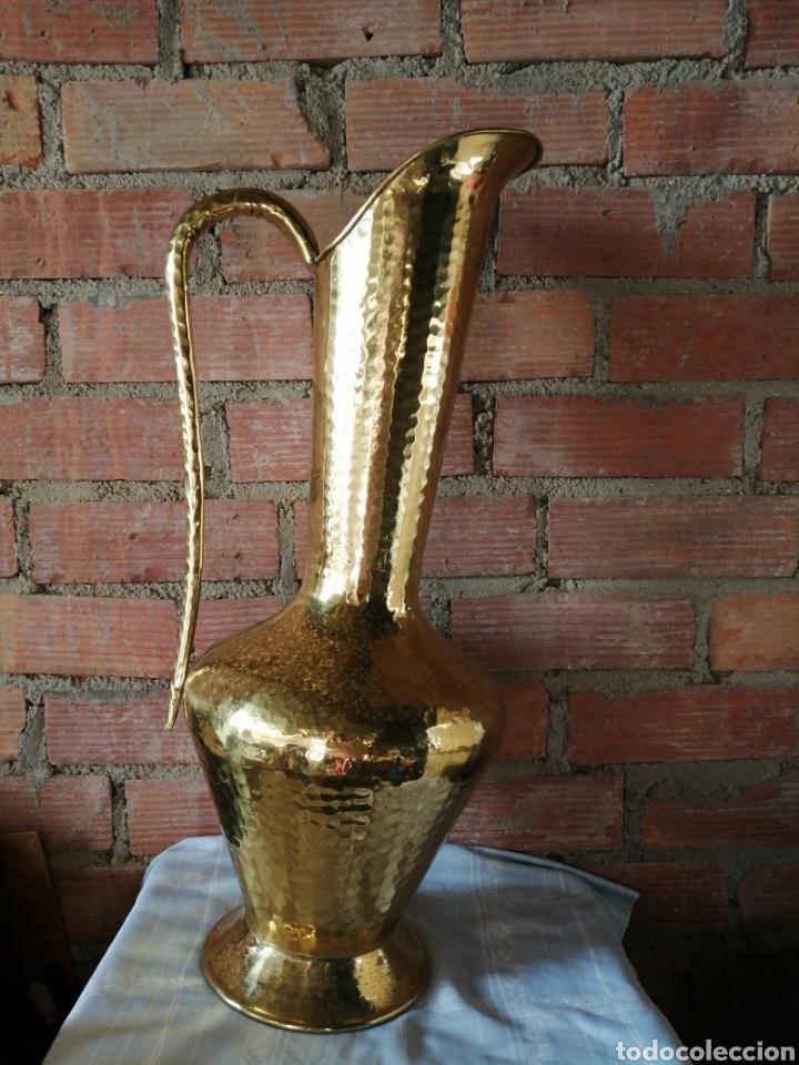Vintage: Florero, jarra grande en latón 81cm. - Foto 2 - 222144337