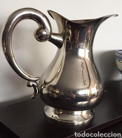 CLÁSICA JARRA DE ALPACA (Vintage - Decoración - Jarrones y Floreros)