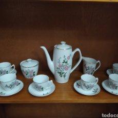 Vintage: JUEGO DE CAFÉ, 6 TAZAS CON SUS PLATOS, AZUCARERO, LECHERA Y CAFETERA. Lote 231250880