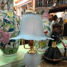 Vintage: LAMPARA DE MESA DE METAL Y CRISTAL - MEDIDA 31 CM. Lote 233070550