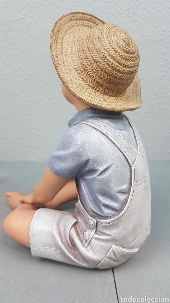 Vintage: Figura de niño sentado de cerámica Edición limitada de Nadal Studio Alarcon numerada 0592/5000. - Foto 4 - 233981435
