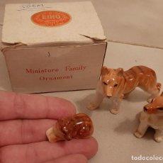 Vintage: ANTIGUAS MINIATURAS DE PORCELANA FAMILIA DE LOBOS ANIMALES EIHO JAPAN JAPON FIGURAS. Lote 240937770