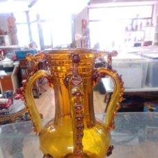 Vintage: JARRON MALLORQUIN EN CRISTAL SOPLADO. COLOR AMBAR. AÑOS 50 -- 26 CM ALTURA. Lote 245547730