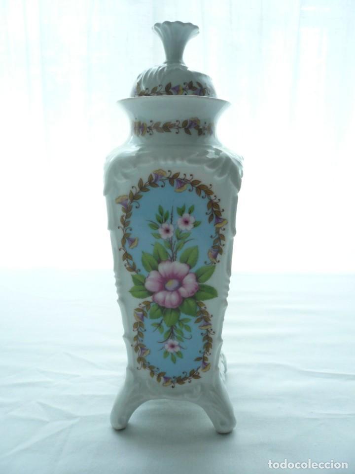 TIBOR CUADRADO. PORCELANA SAMBO (Vintage - Decoración - Porcelanas y Cerámicas)
