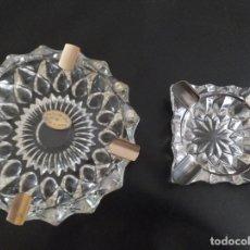 Vintage: LOTE DE 2 CENICEROS CRISTAL TALLADO. UNO CON BAÑO DE ORO 24 KILATES.. Lote 260516770