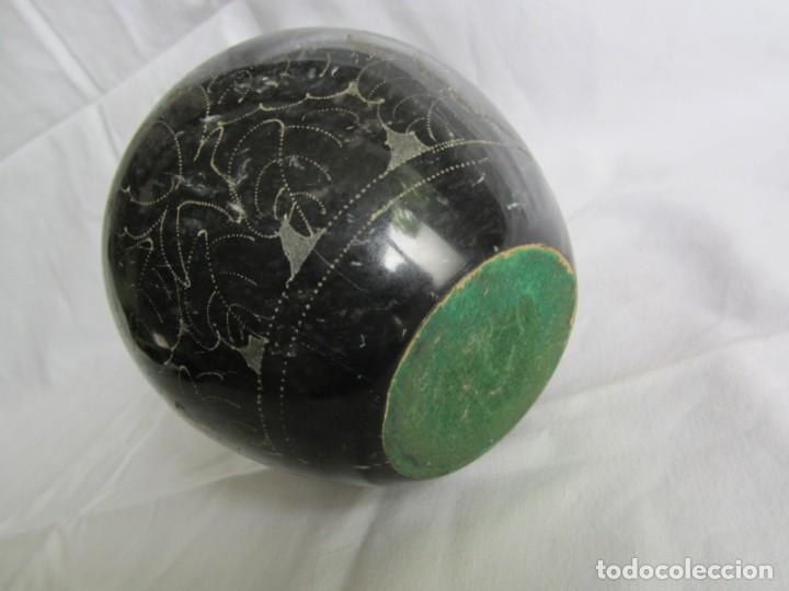 Vintage: Recipiente florero jarrón tallado en mármol negro, decoración floral grabada a mano - Foto 10 - 262593000