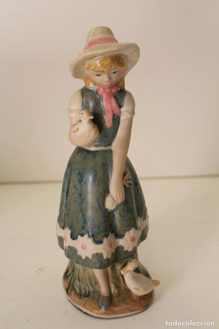 NIÑA CON PATOS PORCELANA (Vintage - Decoración - Porcelanas y Cerámicas)