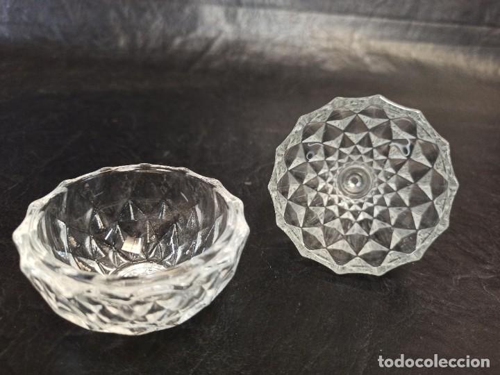 Vintage: Pequeña bombonera de cristal tallado en forma de pera. C60 - Foto 2 - 268596454