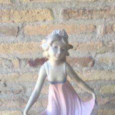 Vintage: FIGURA DE PORCELANA.. Lote 275102883