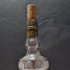 Vintage: PRECIOSA BOTELLA DE LICOR O VINO.. Lote 276445918