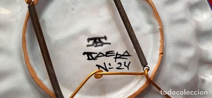 Vintage: Plato de cerámica pintado a mano con relieve - Foto 4 - 287694353