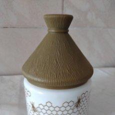Vintage: ANTIGUO TARRO DE MIEL DE OPALINA ,TAPA DE PVC. Lote 288621408