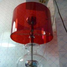 Vintage: IMPRESIONANTE LAMPARA DE SOBREMESA BASE CRISTAL PANTALLA METACRILATO. Lote 15298622