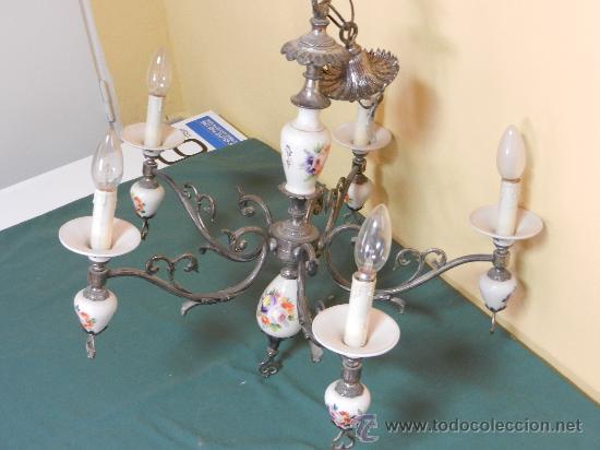LAMPARA DE TECHO CON 5 BRAZOS EN CERAMICA PINTADA Y BRONCE (Vintage - Lámparas, Apliques, Candelabros y Faroles)