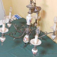 Vintage: LAMPARA DE TECHO CON 5 BRAZOS EN CERAMICA PINTADA Y BRONCE. Lote 30484249