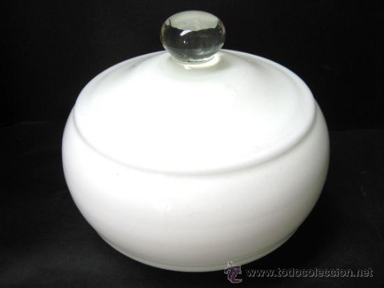 ANTIGUA GRAN TULIPA BLANCA - ANCLAJE DE GRAPAS BOCA 6.5 CM. (Vintage - Lámparas, Apliques, Candelabros y Faroles)