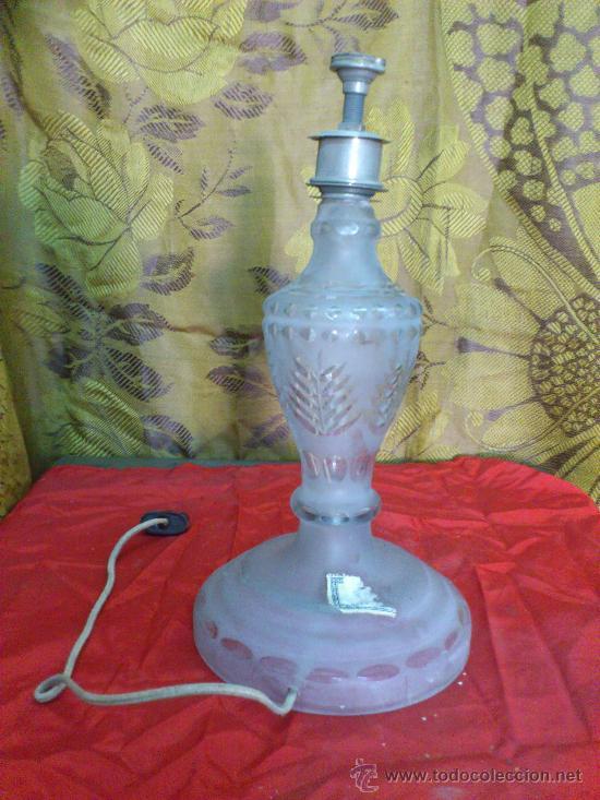 ANTIGUA LAMPARA DE MESA DE CRISTAL. 30 CM. DE ALTO... (Vintage - Lámparas, Apliques, Candelabros y Faroles)