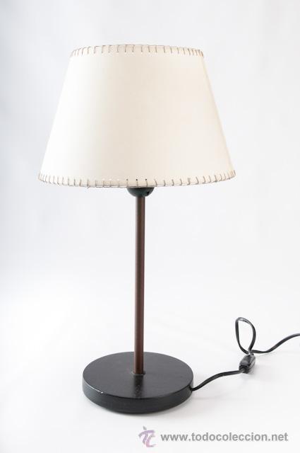 LAMPARA DE SOBRE MESA EN HIERRO CON PANTALLA (Vintage - Lámparas, Apliques, Candelabros y Faroles)
