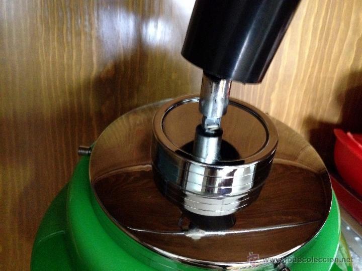 Vintage: Lámpara de techo / cocina años 70 opalina verde Hermanos Gianelli - Foto 4 - 39834946