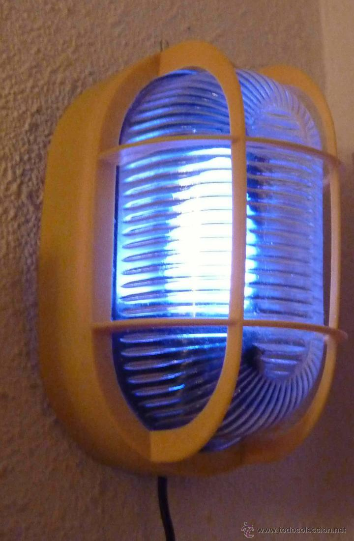 Plafon de luz tipo industrial en plastico amari comprar for Consola de tipo industrial