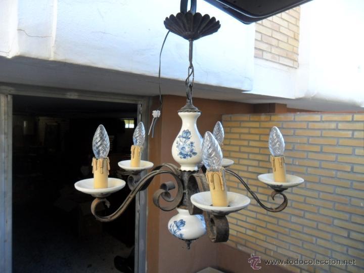 LAMPARA DE HIERRO Y CERAMICA (Vintage - Lámparas, Apliques, Candelabros y Faroles)