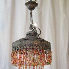 Vintage: LAMPARA DE TECHO EN METAL Y CHORRILLOS DE PLASTICO. Lote 40956994