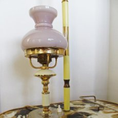 Vintage: LAMPARA MESA CON OPALINA TIPO QUINQUE. Lote 42661591