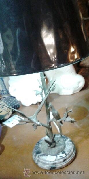 Vintage: LAMPARA DE MESA VINTAGE EN METAL CON ESCENA DE PAJAROS Y TRONCO REELECTRIFICADA (33 CM) - Foto 2 - 43106680