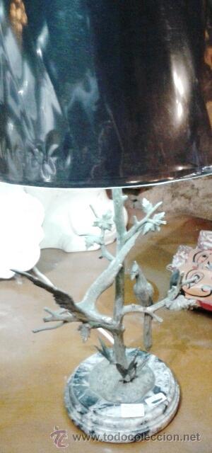 Vintage: LAMPARA DE MESA VINTAGE EN METAL CON ESCENA DE PAJAROS Y TRONCO REELECTRIFICADA (33 CM) - Foto 4 - 43106680