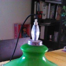Vintage: PRECIOSA LAMPARA DE OPALINA VERDE,EN MUY BUEN ESTADO VINTAGE. AÑOS 50/60. Lote 43264169