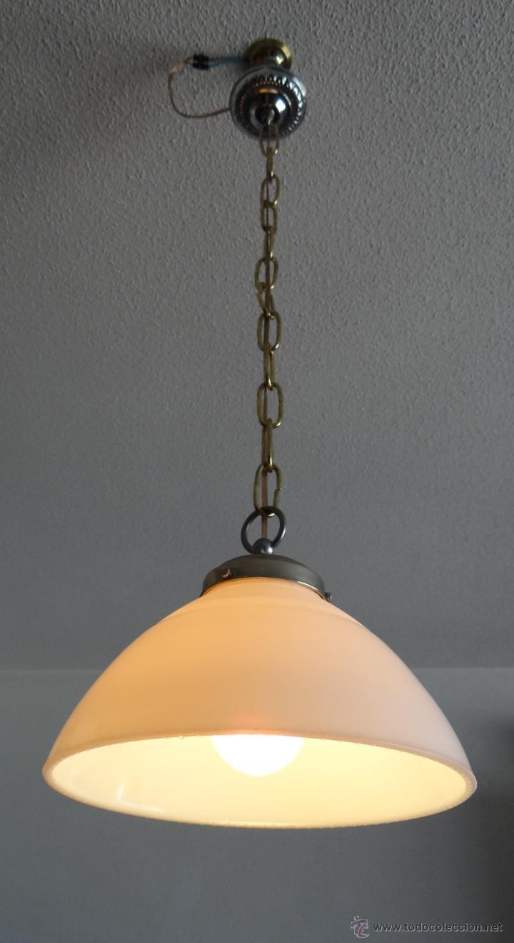 LAMPARA CON TULIPA DE OPALINA BLANCA - VINTAGE - FUNCIONANDO - (Vintage - Lámparas, Apliques, Candelabros y Faroles)