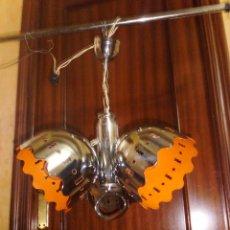 Vintage: LAMPARA VINTAGE CROMADA Y CALADA INTERIOR DE COLOR NARANJA. Lote 43461479